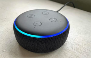 Un Amazon Echo Dot di seconda generazione