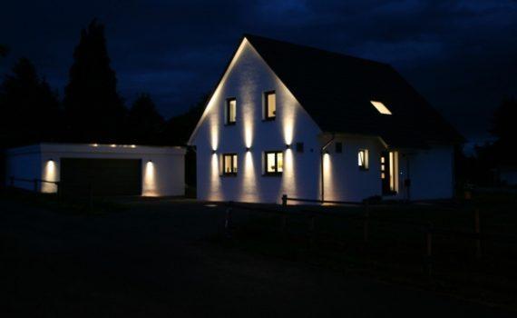 alexa italia casa illuminata